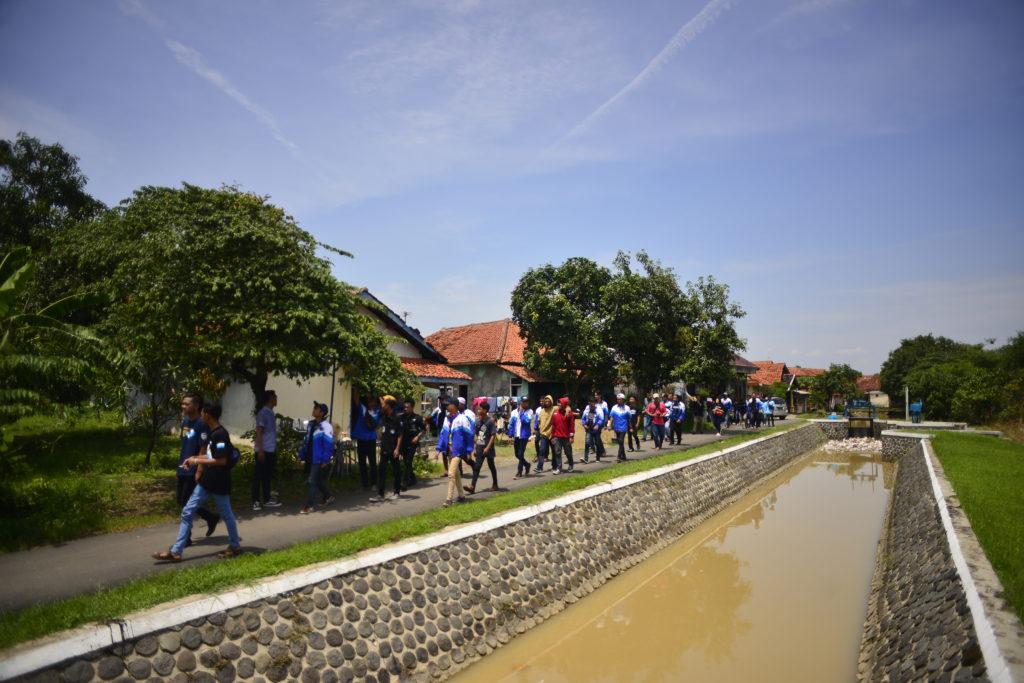 Mass walking project with XTC and George Clark, Jatiwangi, December 2019